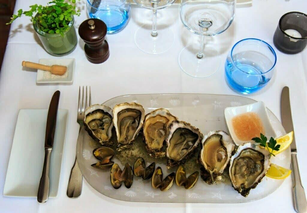 Les huîtres de mesquer par le chef
